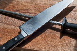 כמו מאסטר שף: איך לבחור סכין איכותית למטבח