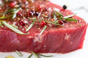 סודות הבישול: איך הופכים בשר קפוא למנה מושלמת?